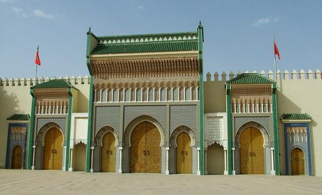 court-fez-morocco-1235115-640x480